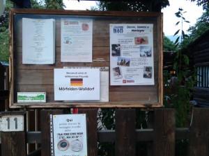 Zu Gast bei Freunden. Das Restaurant Laghetto Nais in Bobbio Pellice begrüßt seine Gäste aus Mörfelden-Walldorf mit der Bundesfahne und einem deutschen Willkommensgruß. Das 6-gängige Menu war wundervoll